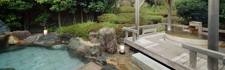 奥熱川 庭園と竹の湯宿 奈良偲の里 玉翠(ならしののさと ぎょくすい)