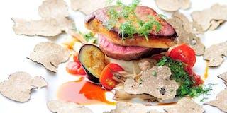 伊豆牛のフィレ肉とフランス産フレッシュフォアグラのソテー、ソースペリグー
