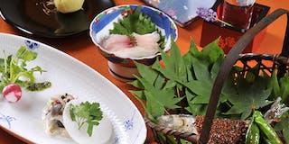 お米は木島平産のコシヒカリ、野菜は地元産のものなどをメインに、季節に応じ厳選した食材を使用。