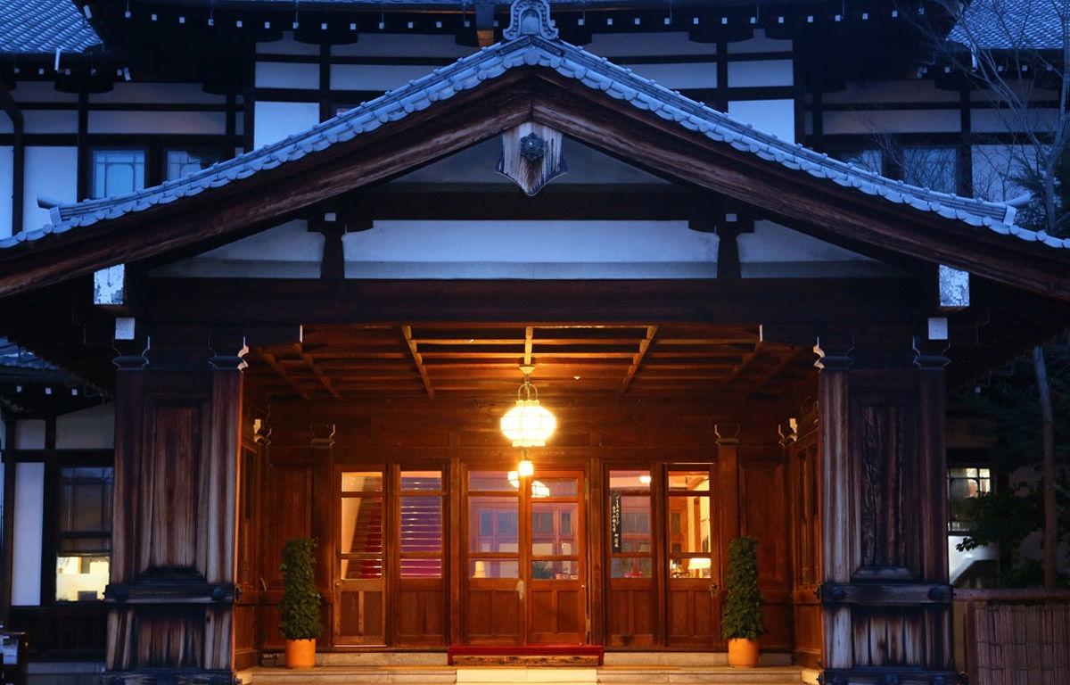 奈良ホテル 玄関