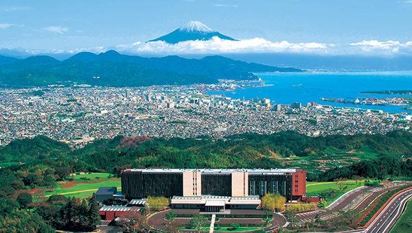 日本平ホテルと富士山