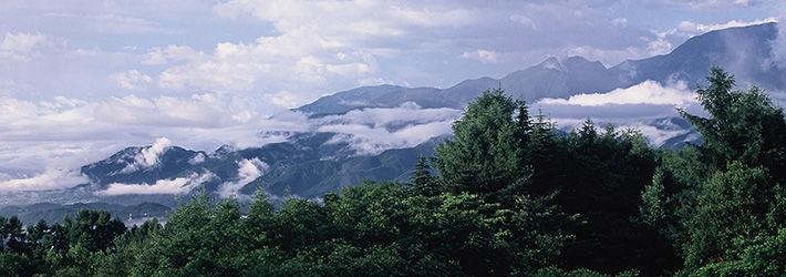 八ヶ岳の南麓、自然に抱かれた優雅な1日3組限定の隠れ家オーベルジュ ヒュッテ・エミール(山梨県/八ヶ岳南麓)