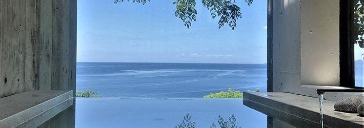 さえぎる物が何もない一八〇度の空と海。 小屋場 只只(山口県/大津島 馬島)