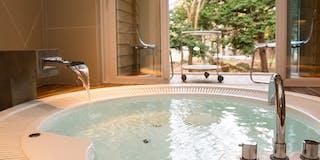 天然温泉がでるプライベートジャグジー(温泉棟)