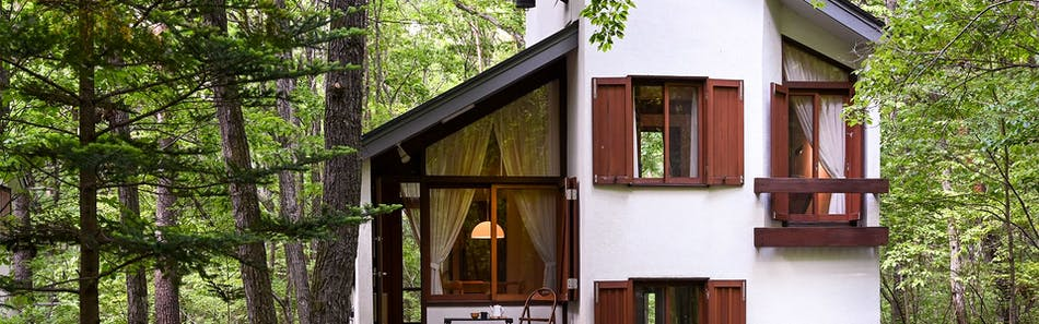 Tatehata House 北軽井沢 建築家のタイニーハウス+檜露天風呂とサウナのある離れ