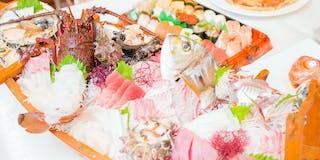朝捕り地魚を中心とした船盛(写真は4~5人分・14,000円)