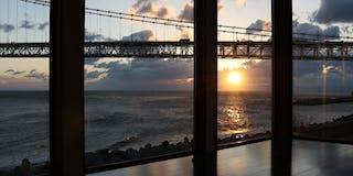 明石海峡大橋を一望